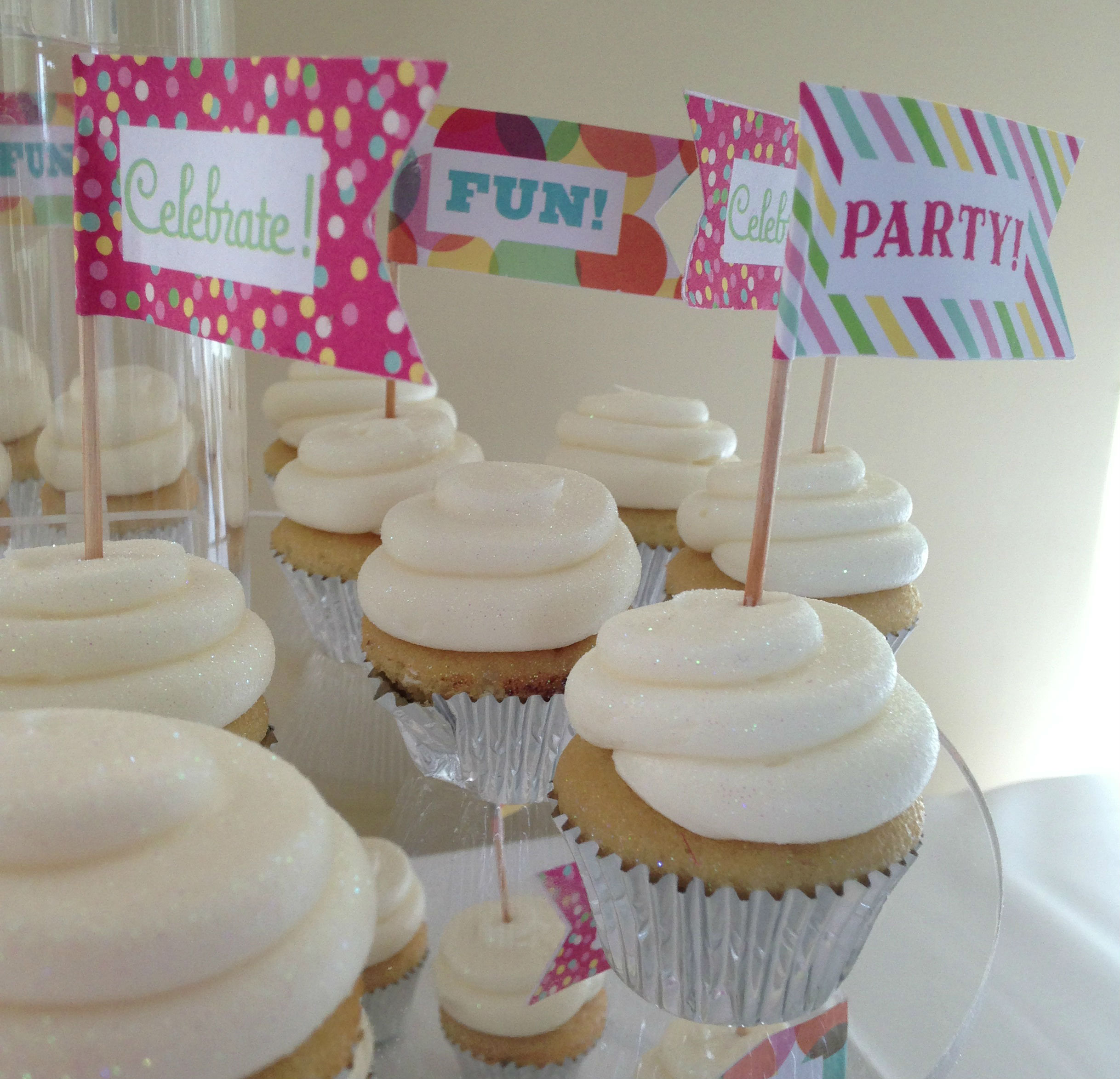 cupcakes minis more ryke s bakery catering cafe mi